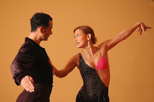 tančící pár