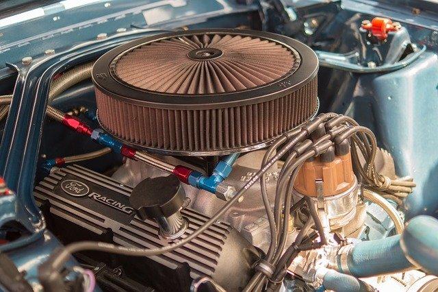 motor automobilu