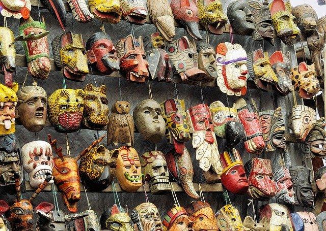 dřevěné masky