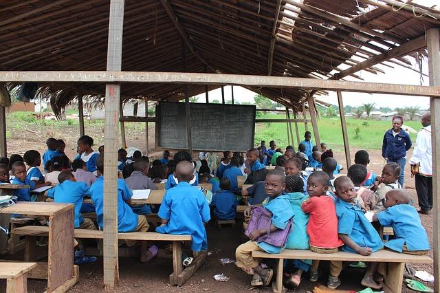 děti v africké škole