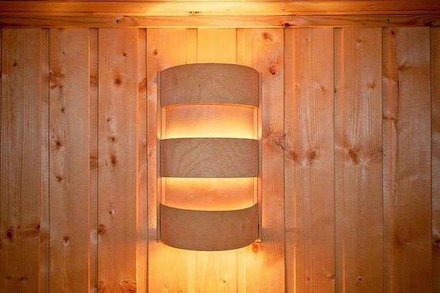 světlo v sauně