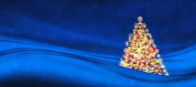 vánoční strom v pozadí