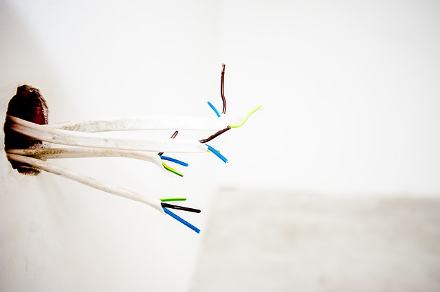 nezapojené kabely