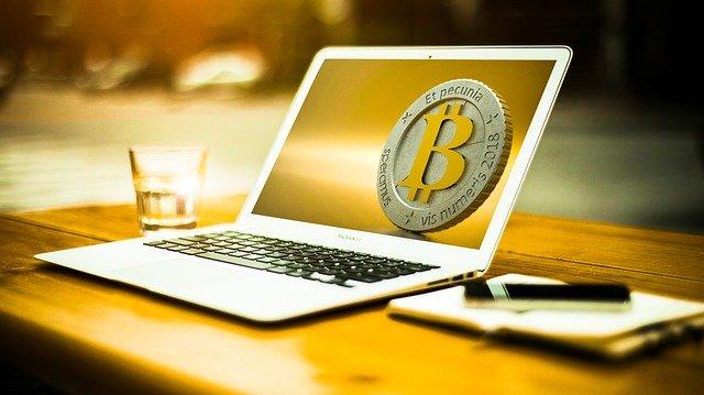 bitcoin na monitoru