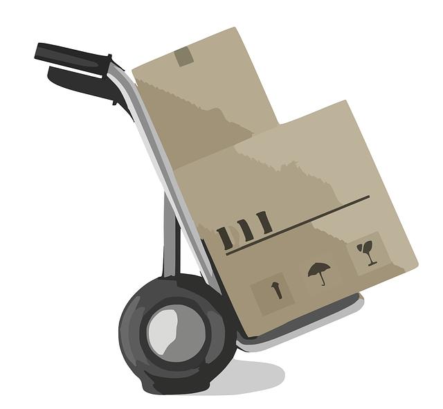 stěhovací vozík s krabicemi