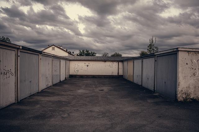 hromadná výstavba garáží
