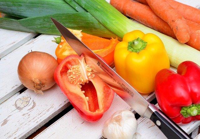 nůž na zeleninu