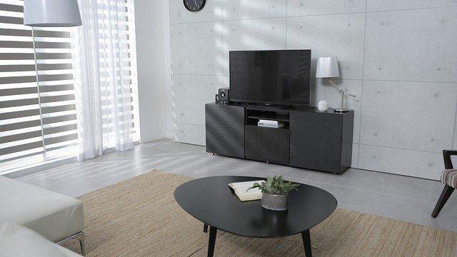 jednoduchý obývací pokoj