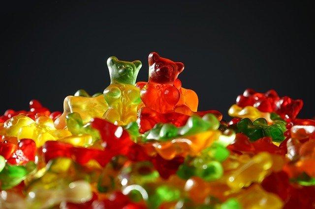 gumové medvídci, sladkosti